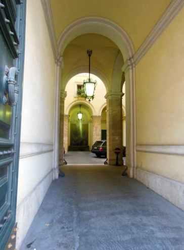 Rom 14 - Stadtansichten 15 - Innenhof