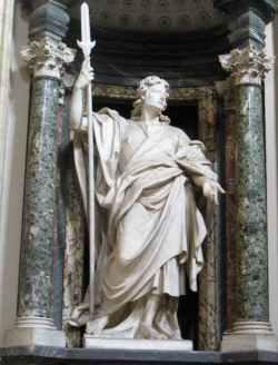 Rom 9 - Lateranbasilika 7 Marmorstatuen